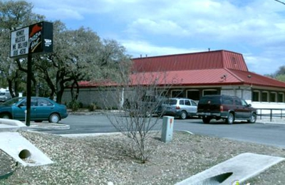 Pizza Hut - Helotes, TX