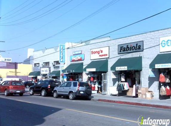 Ariella - Los Angeles, CA
