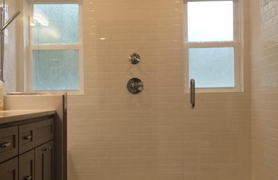 Bon Malibu Glass And Shower Door LLC   Grand Rapids, MI