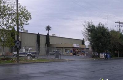 A & W Surplus Auction - Fresno, CA
