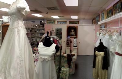 Lizzy's Gifts & Bridal - San Antonio, TX