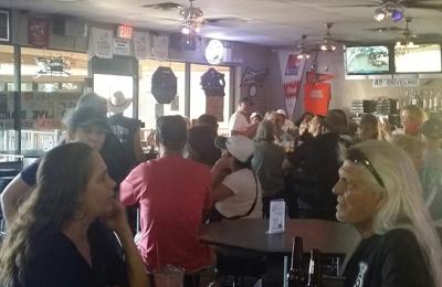 Swizzle Stick Cocktail Lounge - Glendale, AZ. To much fun