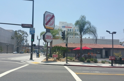 Everest Burgers - Glendale, CA. Corner of California and Central