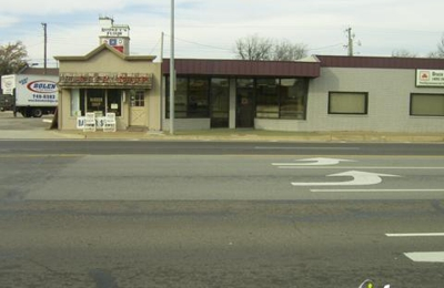 Doc's Barber Shop - Edmond, OK