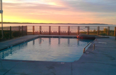 Cherry Tree Inn & Suites - Traverse City, MI