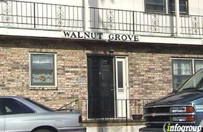 Walnut Grove RV Park - Shawnee, KS