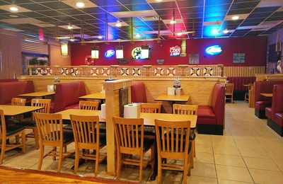 Cajun Crawfish Restaurant Seafood Bar 1103 W Veterans