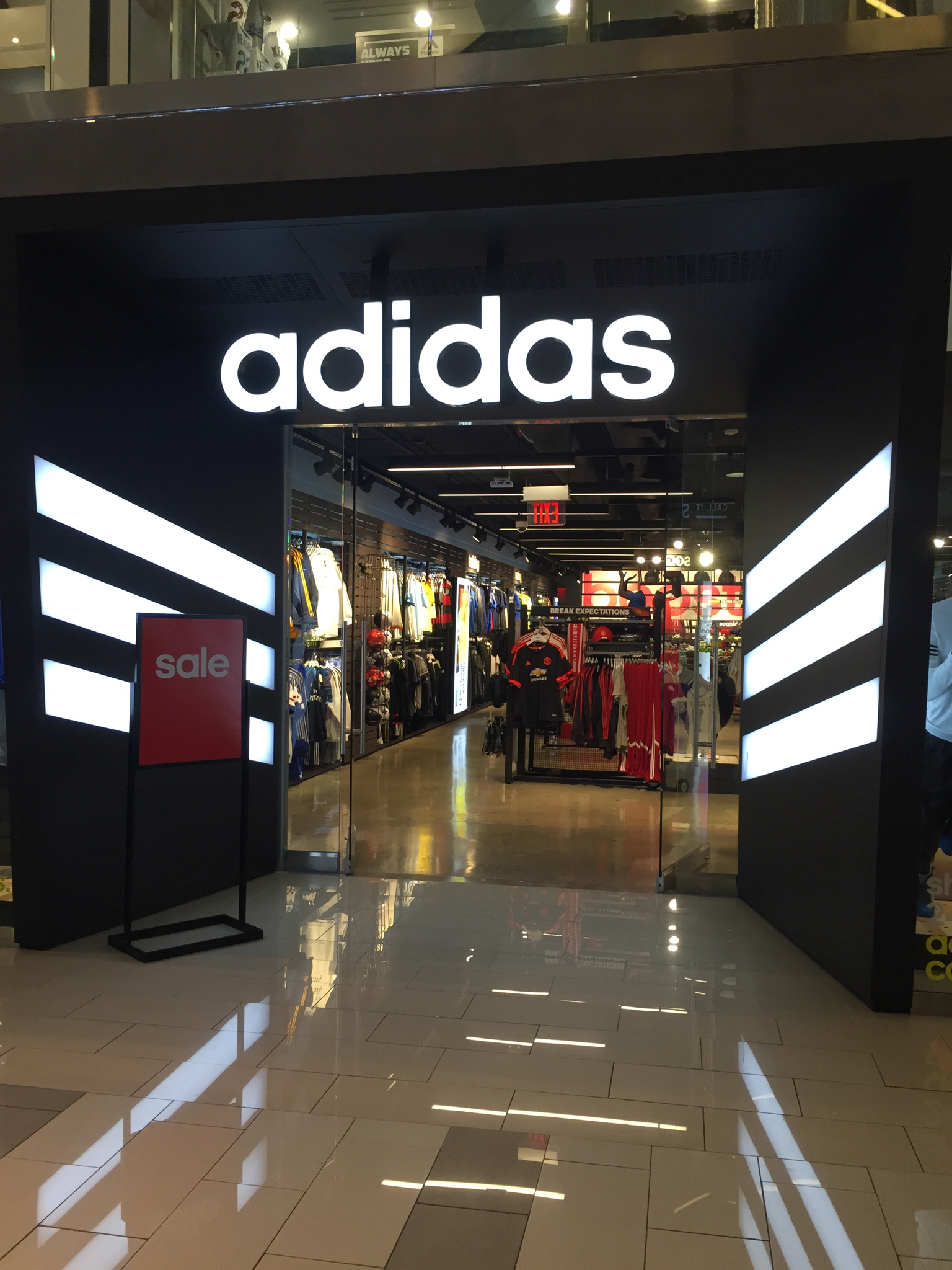 adidas store locations chicago