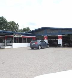 Holt Tire Pros 572 S Mendenhall Rd Memphis Tn 38117 Yp Com