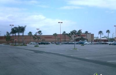 CVS Pharmacy - Van Nuys, CA