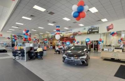 DCH Toyota Of Milford   Milford, MA