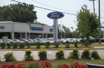 Bowditch Quicklane/Collision Center - Newport News, VA