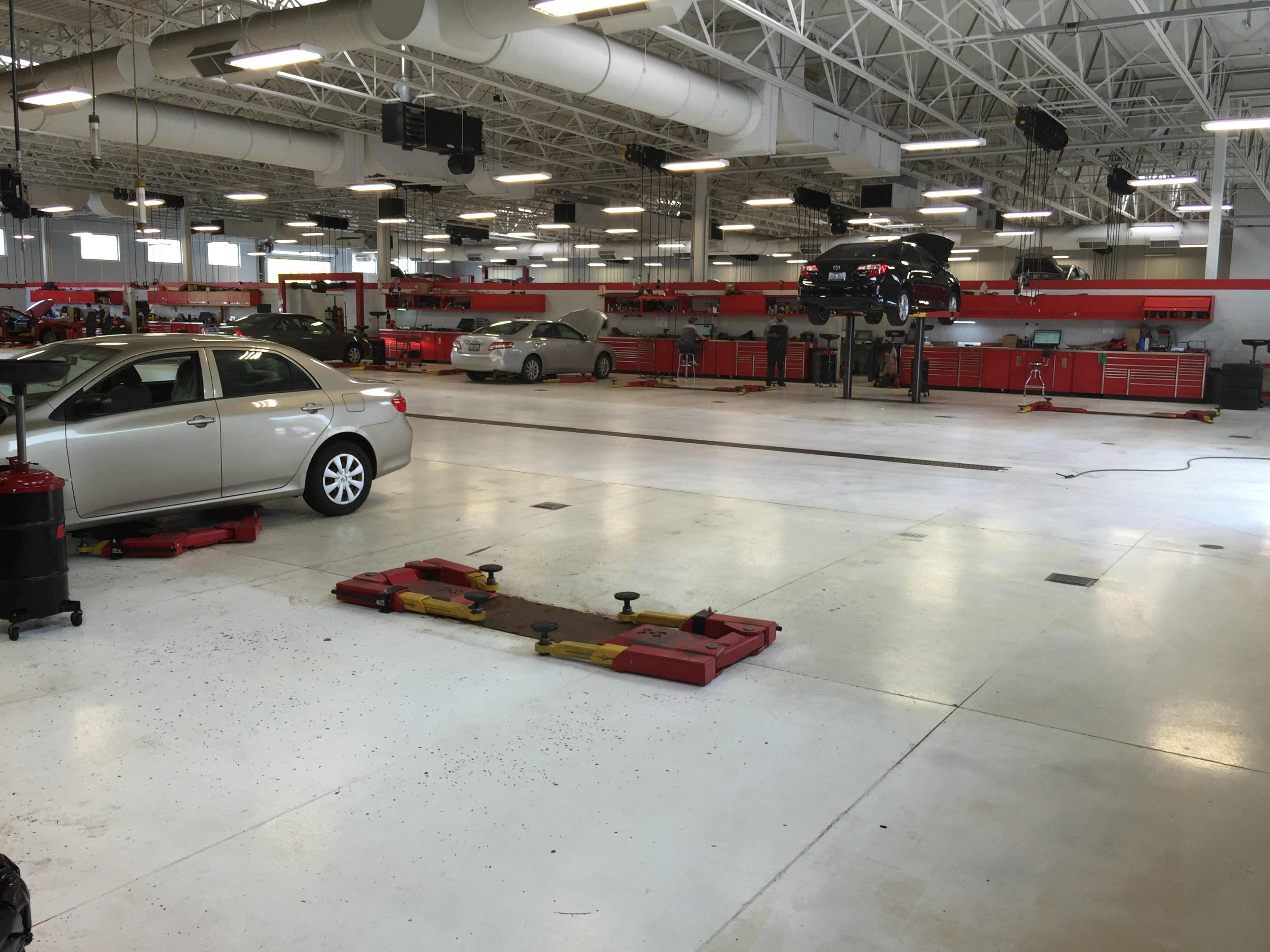 Oxmoor Toyota Service >> Oxmoor Toyota 8003 Shelbyville Rd Louisville Ky 40222 Yp Com