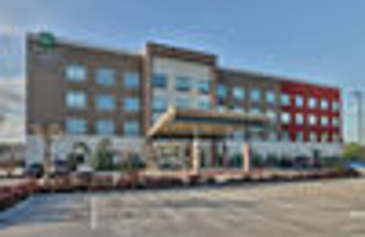 Holiday Inn Express & Suites Houston East - Beltway 8 - Houston, TX