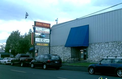 Spare Room Restaurant & Lounge - Portland, OR