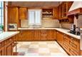 D & R Custom Kitchens Inc. - Des Moines, IA