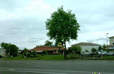 Shari's Cafe & Pies - Newberg, OR