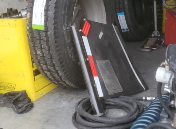AAA Parts & Towing - Toledo, OH. What they do