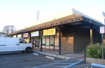 Castillo Furniture Store - Bellflower, CA
