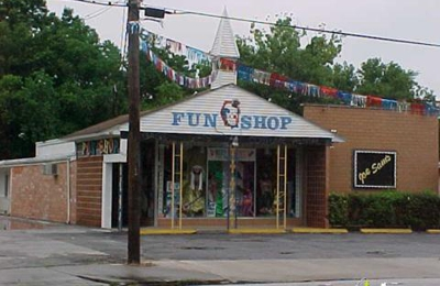 joe sams fun shop pasadena tx
