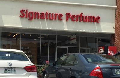Signature Perfume Calhoun - Calhoun, GA. Lot view