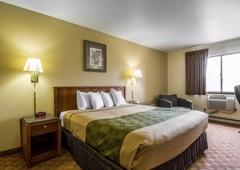 Econo Lodge - Janesville, WI