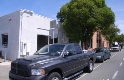 Martinez Auto Body - Martinez, CA