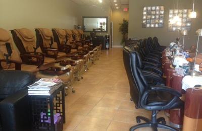 Diamond Nails & Day Spa - Kissimmee, FL
