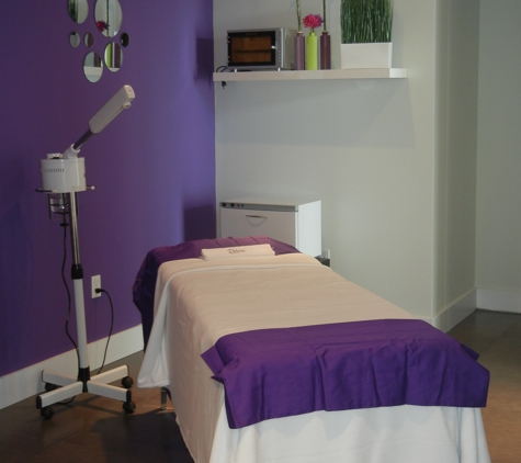 DELUXE CENTER SPA - Fort Lauderdale, FL