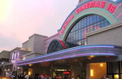 Regal Cinemas Atlantic Station Stadium 16 Theatre - Atlanta, GA