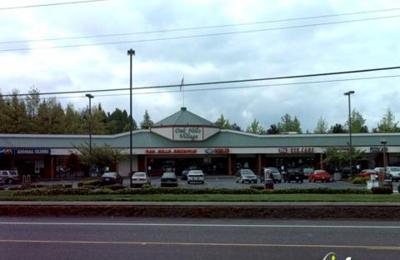 Mac's Market & Deli - Portland, OR