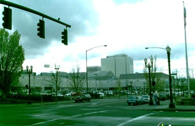 Barnes & Noble Booksellers - Portland, OR