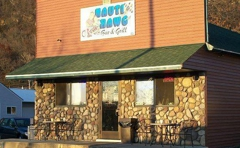 Nauti Hawg Bar & Grill