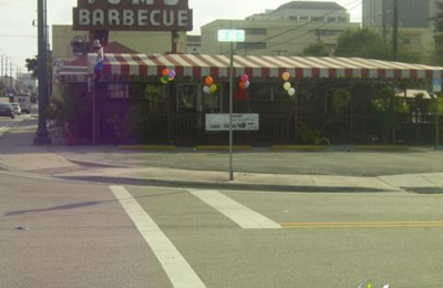 Uncle Tom's Barbecue - Coral Gables, FL