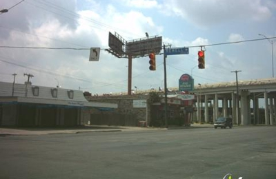 Mary Anns Pig Stand - San Antonio, TX