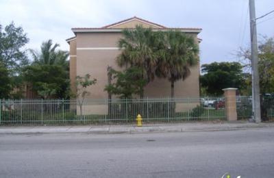 Miami Stadium Apartments Fl