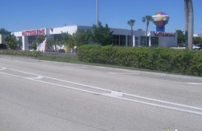 Mattress Firm Mall of the Americas - Miami, FL