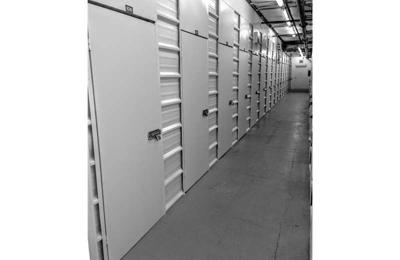 Extra Space Storage   Falls Church, VA