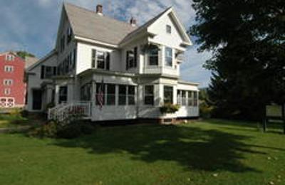 Farmhouse Inn at Robinson Farm - Woodstock, VT