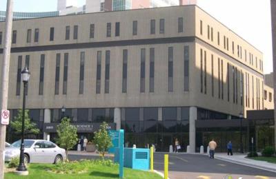 Dr. Kavita K Sharma, MD - Milwaukee, WI