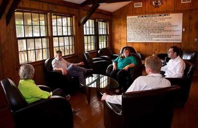 Mirror Lake Recovery Center - Burns, TN