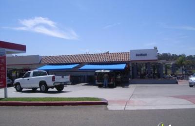 Vista Hand Wash & Gas - Oceanside, CA