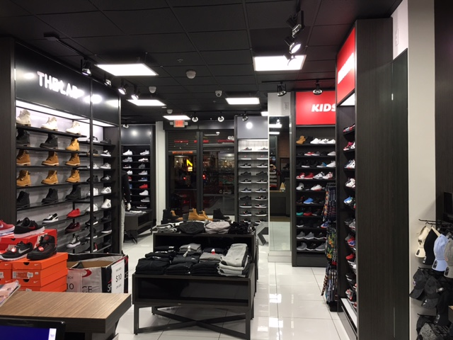 d87bd52025c Shoe Palace 7927 Van Nuys Blvd