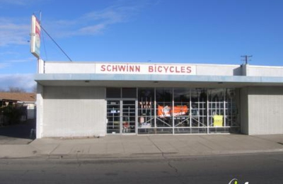 Sumner's Schwinn Bicycle Shop - Fresno, CA