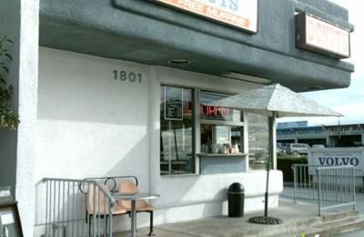 Road Runner Donuts - Upland, CA