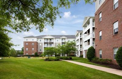 Manchester Lakes Senior Apts - Alexandria, VA