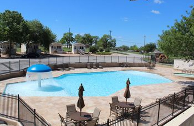 Hill Country RV-Resort - New Braunfels, TX