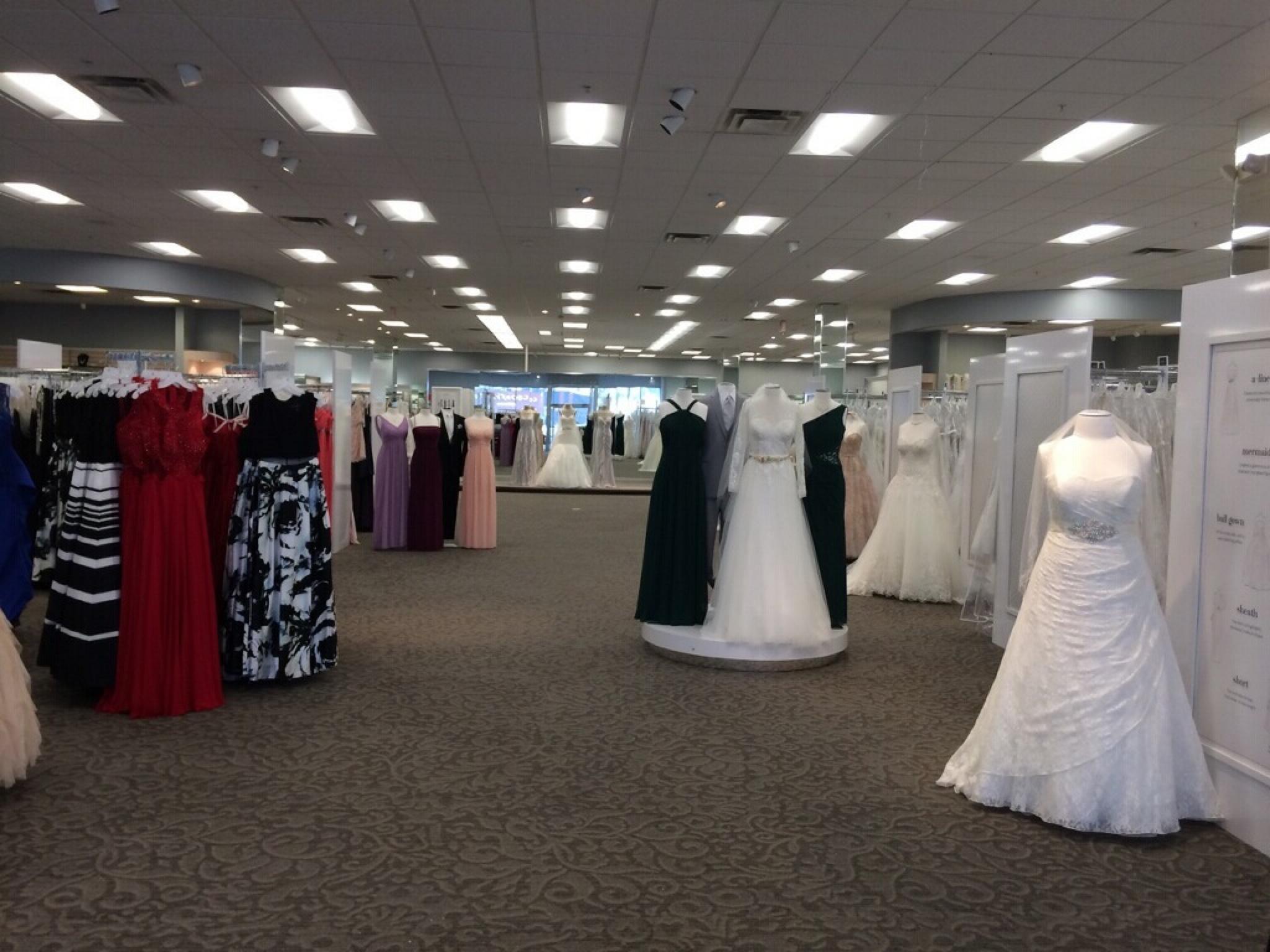 Davids Bridal 3133 Erie Blvd E Syracuse Ny 13214 Yp Com