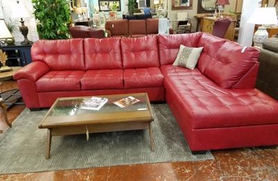 Ordinaire Classic Treasures Consignment Furniture   Durham, NC. Contemporary Comfort