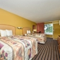 Econo Lodge Inn & Suites - Gilbertsville, KY